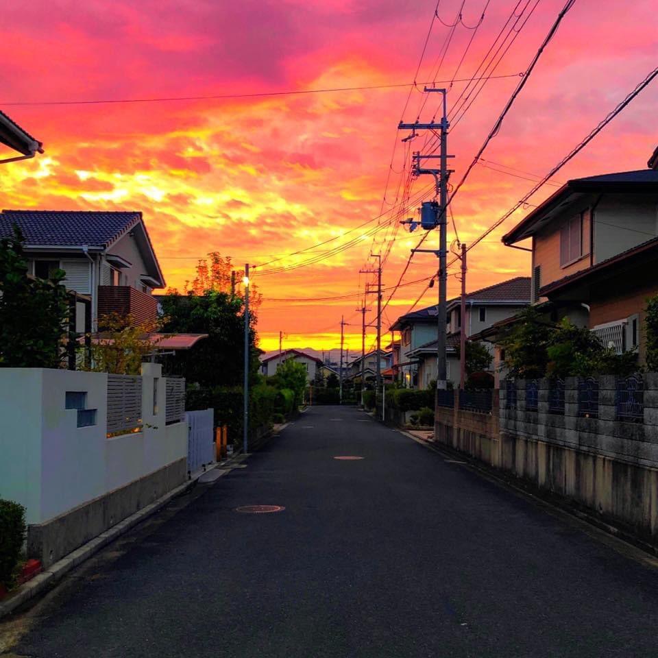 #throwback #burning #sky #morning #nara #Japan  #カコソラ #空 #雲 #朝焼け #地元 #田舎 #奈良 #iPhone