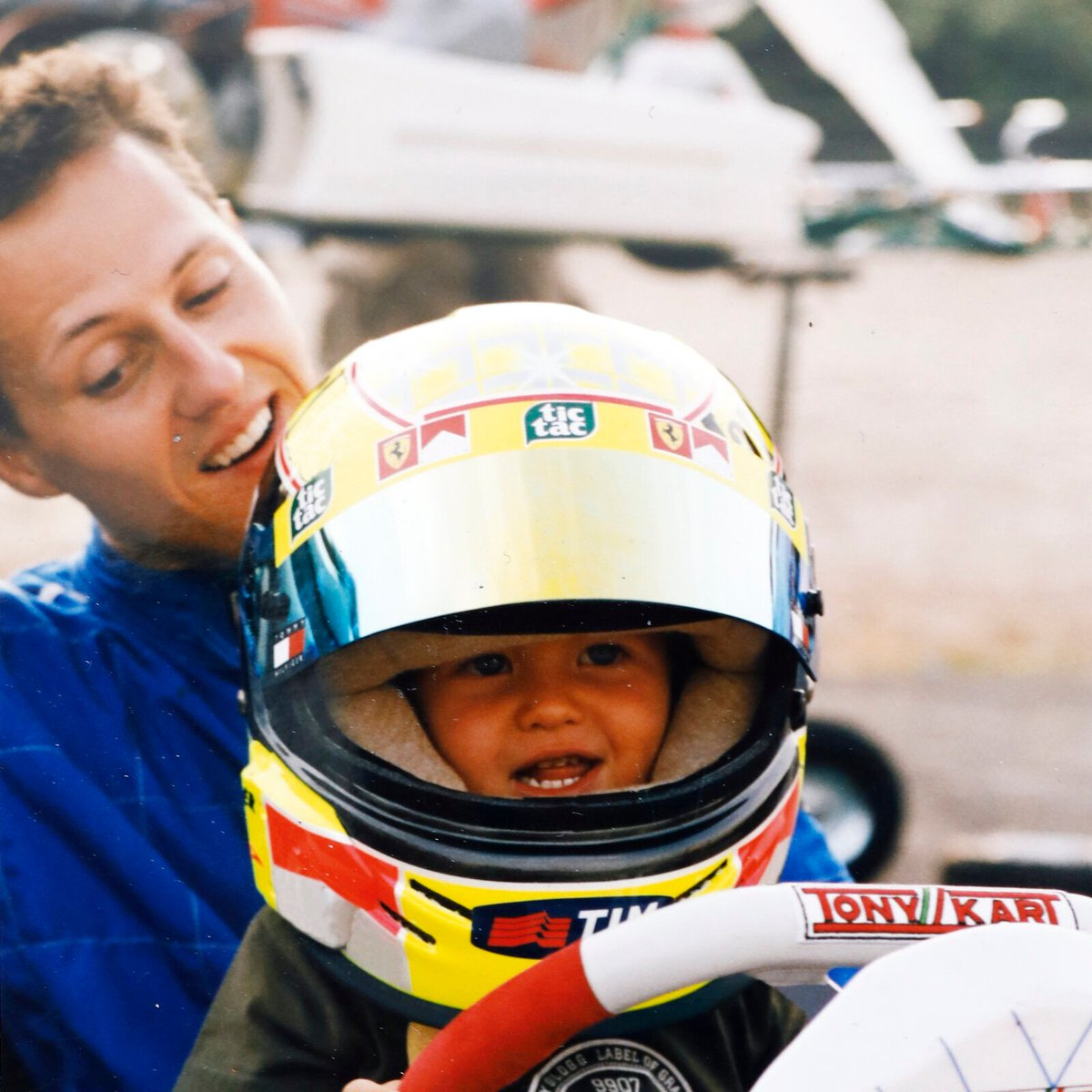 Chasing the dream like Dad all those years ago 👨👦  And next month in Germany, @SchumacherMick will bring the family name back to an F1 race weekend 🇩🇪  📸: @keepfighting   #F1 https://t.co/WLMM0hwYGu