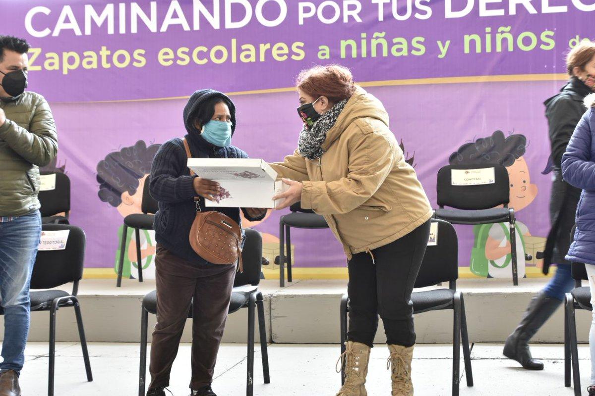 En esta ocasión, las niñas y los niños beneficiados pertenecen a los planteles Luis Braille, Normalismo Mexicano, Xiutzitquili y Nueva Zelandia. Un total de mil 550 pares de zapatos y 150 lentes entregados, a fin de apoyar el derecho a la educación de la niñez de #Iztapalapa. https://t.co/Gs8GVlFh3W
