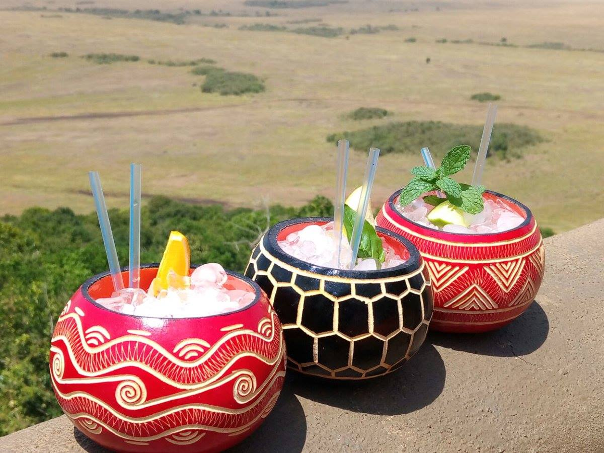It's 5pm in the Mara and that means cocktails O'clock…the safari way😎 https://t.co/Y5tIh0pp90