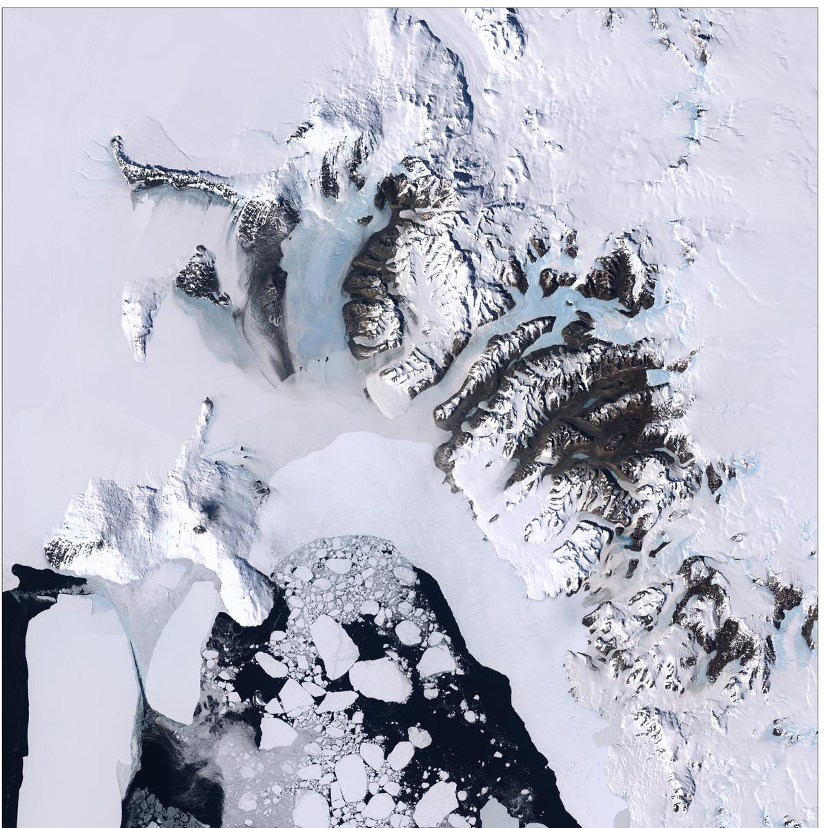 [FAQ] Does the USGS have photographs of features in Antarctica?  https://t.co/cF56b2l9sH #Antarctica #landsat https://t.co/RY7gaUcOko