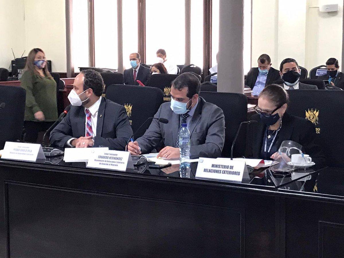 test Twitter Media - La Comisión de Finanzas realiza audiencia al titular del Ministerio de Relaciones Exteriores, Pedro Brolo, para discutir el Presupuesto 2021.Foto: José Castro https://t.co/2Bno0zAGYr