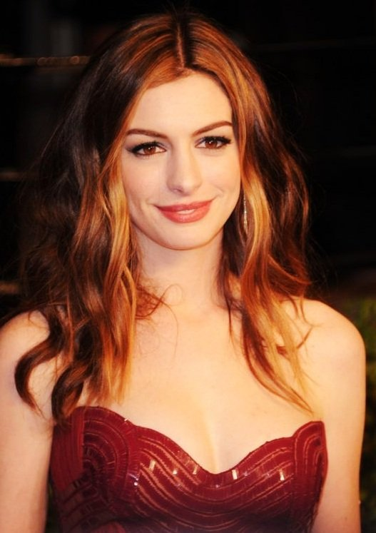 #Foto; #AnneHathaway; #ThePrincessDiaries; #Colossal; @FamilyGuyonFOX; @TheSimpsons; @DonJonMovie; @TheInternMovie @Interstellar @LesMiserables @oceans8movie #GetSmart #BrokebackMountain #TheDevilWearsPrada #ValentinesDay #AliceThroughTheLookingGlass #TheDarkKnightRises @RioMovie https://t.co/Qbdxzoe15k
