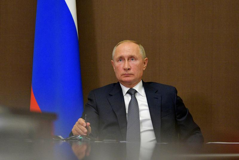 Putin urges all sides to hold fire in Nagorno-Karabakh during phone call with Armenian PM https://t.co/5Xn9mRw5HE https://t.co/QSDgINbHca