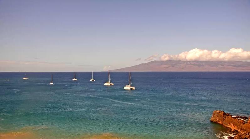 KAANAPALI BEACH, LAHAINA, MAUI: TUESDAY, SEPTEMBER 29TH: Live WebCam https://t.co/7Y1Kf7v0p5 https://t.co/oloeuutWTO #kaanapalibeach #surf #maui #sup #lahaina #kaanapali #windsurfing #foilsurf #standuppaddleboarding #kitesurfing #surfing #hydrofoiling #sailing #maui #wingfoil https://t.co/AaWjCcENCR