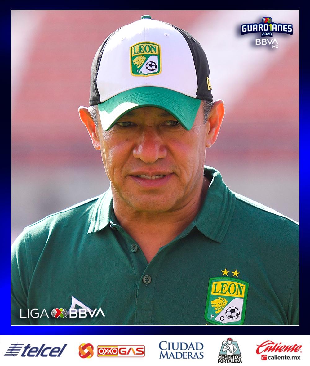 Ignacio Ambriz 🔝 @clubleonfc 🔥 #DTDeLaJornada  El estratega sigue mostrando regularidad con su equipo y demuestra cada jornada que su vistoso estilo de juego va de la mano con resultados.   Ahora vencieron al San Luis. El León es el líder de la #LigaBBVAMX #Guard1anes2020 🦁 https://t.co/N32JfO9rTa