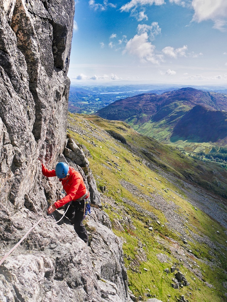 Lake District Classic Rock at it's best up at Gimmer with David today :) #mountains #rockclimbing #lakedistrict #classicrock https://t.co/VttMUwqqlG