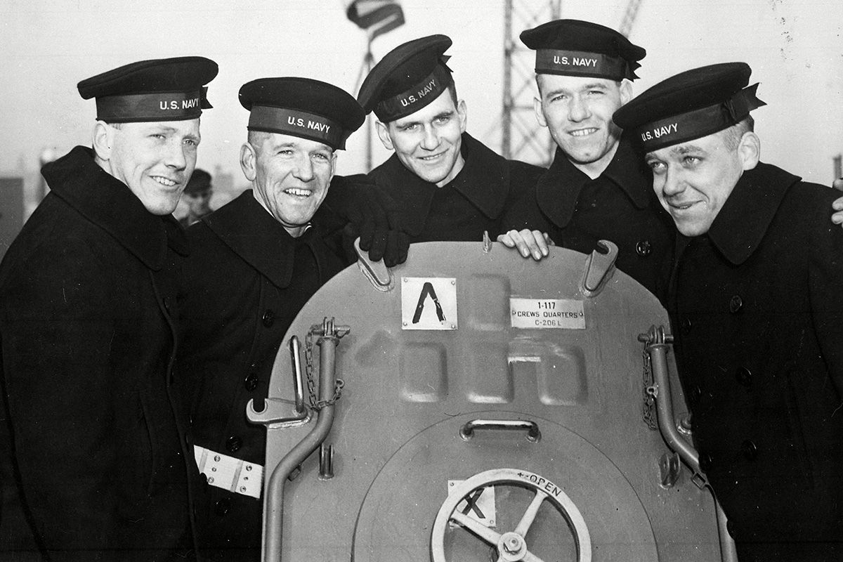 """#OnThisDay 1943 The US Navy commissioned USS """"The Sullivans"""" in honour of the five Sullivan brothers who lost their lives when their ship USS Juneau was sunk by a Japanese sub in Guadalcanal in November 1942. The Sullivans were from Iowa. #Ireland #History #WW2 @USNavy https://t.co/5FxgGO9eHo"""