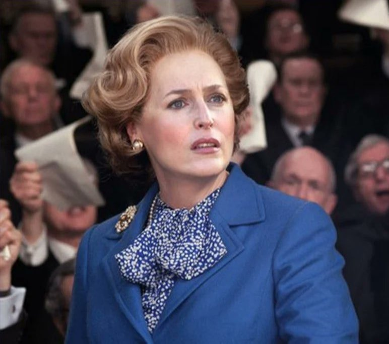 """Iron Lady - Back with a vengeance""!  Gillian Anderson. 15e November. 🧨"