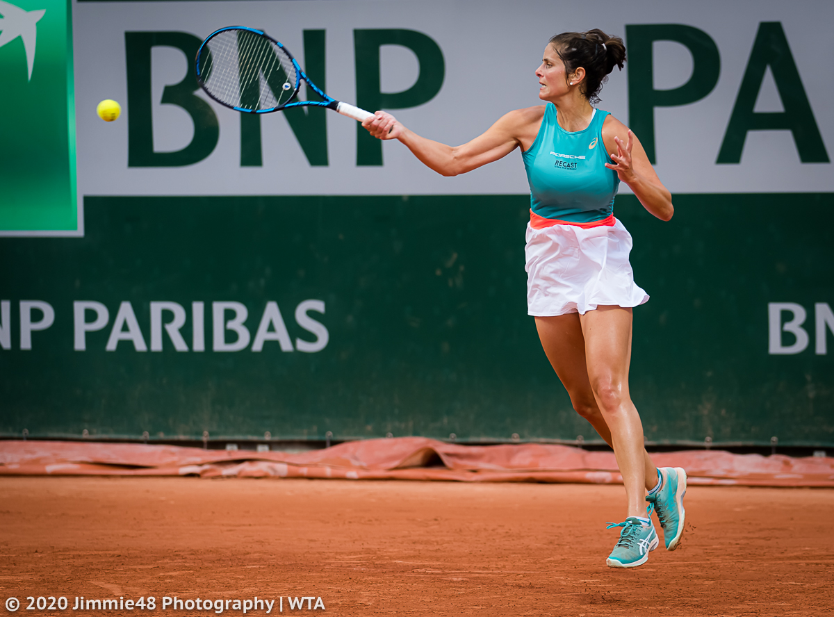Jule on a flyer: @juliagoerges on her way to beating Alison Riske https://t.co/LpedMym06q