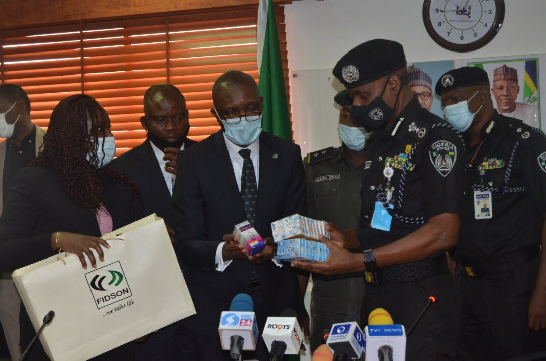 The items were presented to the Inspector-General of Police, IGP M.A Adamu, NPM,mni by the General Manager, Fidson Healthcare Plc, Mr. Ola Ijimakin at the Force Headquarters, Abuja on Monday, 28th September, 2020. https://t.co/Er6H0bYZqC