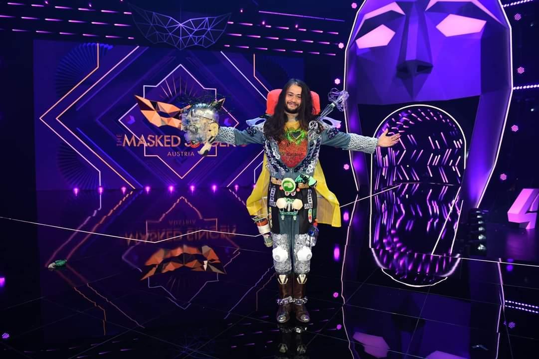 Lukas Plöchl (Trackshittaz, ESC 2012) was revealed as Klimaheld on The Masked Singer Austria! 🦸♂️  His performances 👉 https://t.co/40POHGMqWG  #Eurovision #TMSA #TheMaskedSinger  📸 Puls4/TMS https://t.co/50CxxdPwcn
