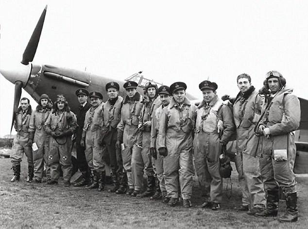 #EagleSquadrons were 3 fighter @RoyalAirForce squadrons made up of American volunteers & British personnel prior to America's entry in #WorldWarII. On 9/29/42 the squadrons were officially turned over by the RAF to @USArmy's 8th Air Force #WWII #WW2 #NeverForget #WeRememberThem https://t.co/j8xx1aC3yi