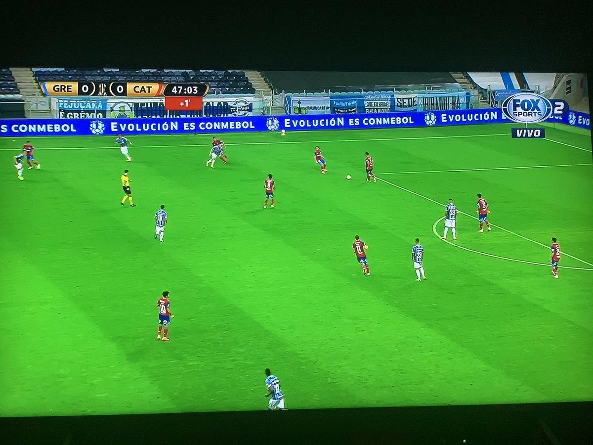 Ahora si.... #VamosColoColo!!! Ya si se, pero es que está más entretenido este partido jajaja. 🤣... aquí hay fútbol!  Naaaa mentira, vamos por ese 2° aire @ColoColo .... https://t.co/Wz9ZVcwExh