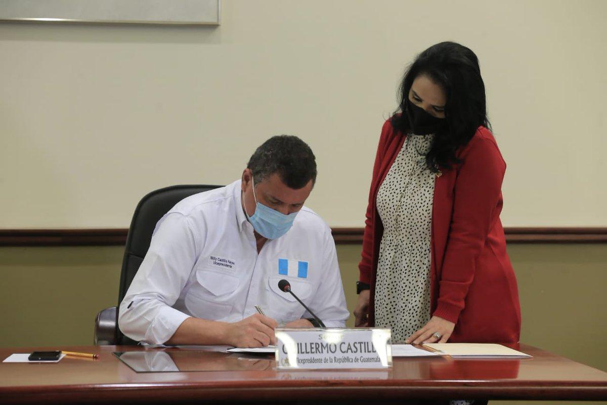 test Twitter Media - El vicepresidente, Guillermo Castillo, participa en el Consejo de Ministros.Fotos Vicepresidencia https://t.co/GrEyh5epzG