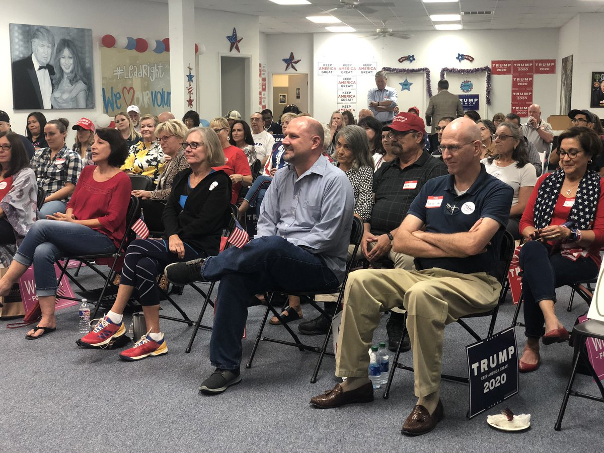 Great turnout tonight in Katy for the debate watch party! #TXisTrumpCountry https://t.co/rLapvdTz6K