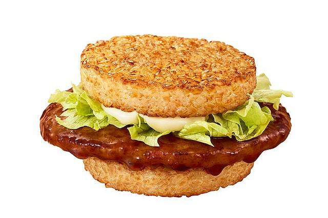 【待ってた】マクドナルド「ごはんバーガー」が復活、10月7日から発売!「ごはんてりやき」「ごはんベーコンレタス」「ごはんチキンフィレオ」の3種類が夜マック限定で登場する。