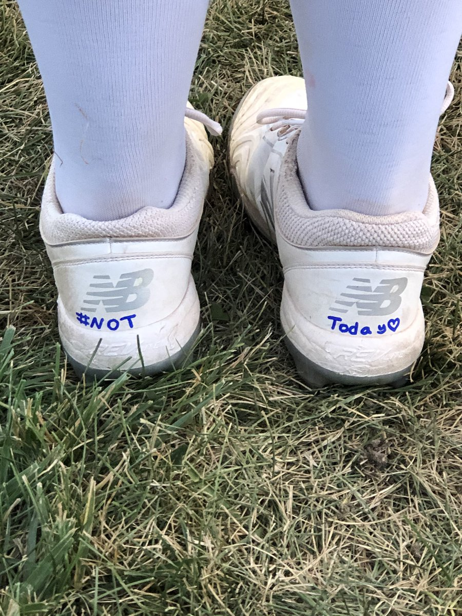 Sarah personalized her cleats tonight ❤️ keep fighting @GalenMitchell11  #NotToday https://t.co/kxYjAprZsZ