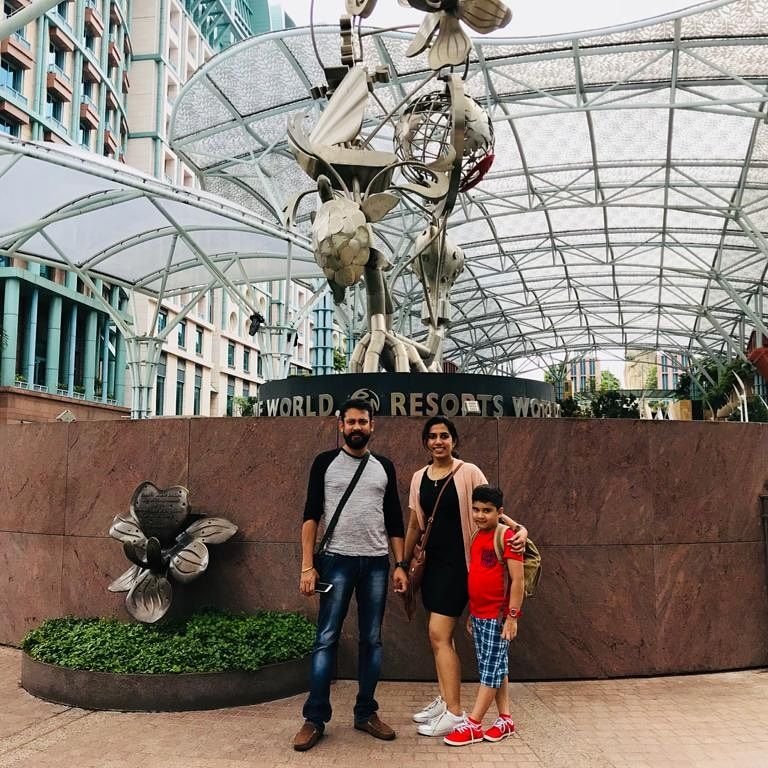 Time spent with family is worth every second, 3 years ago in Singapore... #happytime  #throwback #familytime #happiness #vacation #nostalgia #singapore #memoriesforlife #togetherness https://t.co/da0uo5ZzZY