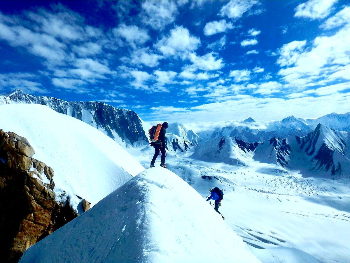 Everybody wants to reach the peak, but there is no growth on the top of a mountain. It is in the valley that we slog through, the lush grass and rich soil, learning and becoming what enables us to summit life's next peak. #DiscoverPakistan #mountaineering #climbing #expedition https://t.co/DqjpymDUmf