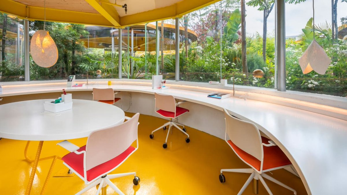 This L.A. #parkinglot became a lush outdoor #coworking space https://t.co/jWbfbFWvxJ https://t.co/sr5yUfB2zl
