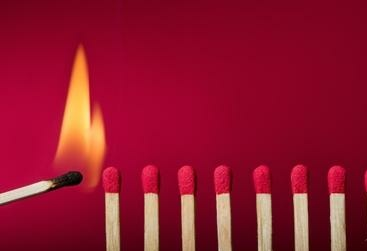 Per non assuefarsi, non rassegnarsi, non arrendersi, ci vuole passione. Per vivere ci vuole passione.  Oriana Fallaci  #ParoleDaDifendere a #CasaLettori   ~ Passione ~  @VirginiaPanzeri @veronicacapucci @destinograzia @graziadan @paolacx2 @PaolaMerolli https://t.co/FIMiGCBhhS
