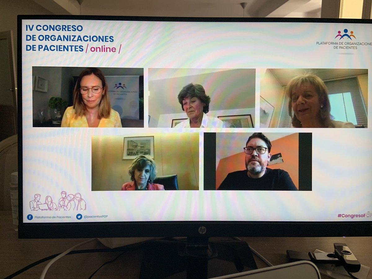 En compañía de @pacientesPOP    #CongresoPOP https://t.co/o3WCdDhIzZ