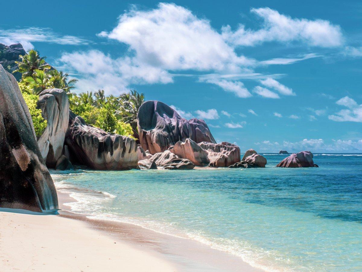 Cet hiver, @Cie_PONANT emmène ses passagers en croisière aux #Seychelles !  Accompagnés d'une équipe d'#expédition hautement qualifiée, ils partiront à la rencontre d'un monde paradisiaque encore préservé. Pour en savoir plus, c'est par ici ➡ https://t.co/1lPSLiKj3Q #PONANT https://t.co/OlKIasGmwb