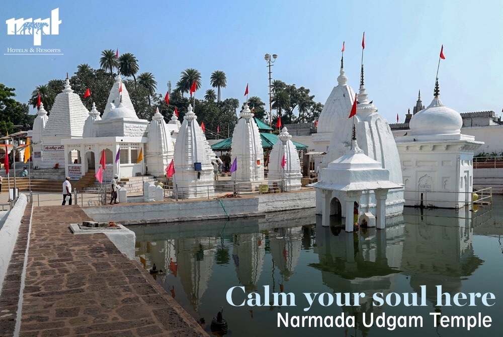 #Narmada Udgam temple is built at the source of the river Narmada and is the holiest place in #Amarkantak. Visit this beautiful temple and other places in town to experience divinity while staying at MPT Holiday Homes. #MPTourism  Visit: https://t.co/cNG1vf8EvR  Call: 18002337777 https://t.co/DzbA28LU1C