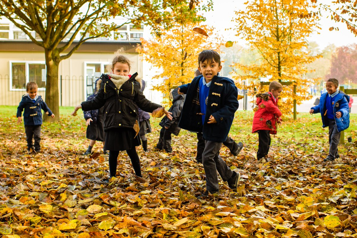 Today @DeHavPrimary became the first primary school to join our Trust.  We are excited to realise our vision of providing seamless, outstanding education for learners from 3 to 18 as they move from De Havilland to @OnslowStAudreys & @ChancellorsSch #makingthedifferencetogether https://t.co/D5juKoJUzJ
