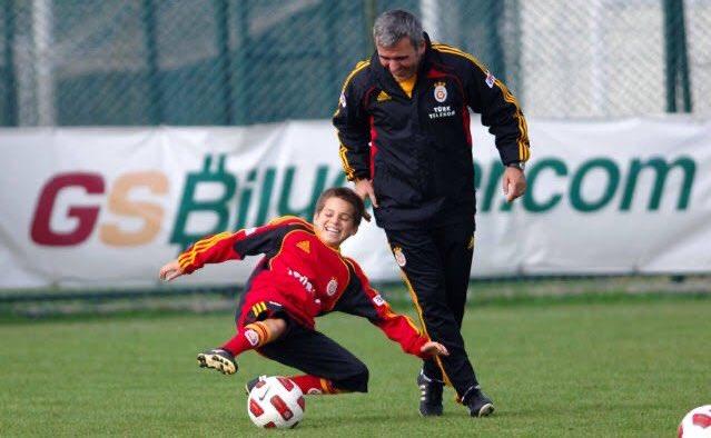 #IanisHagi: Galatasaray maçının duygusal olup olmayacağını bilmiyorum. Onlar gerçekten çok büyük bir kulüp, çocukluğumun geçtiği takıma karşı forma giyeceğim için mutluyum.. https://t.co/xG1GdAoQLN