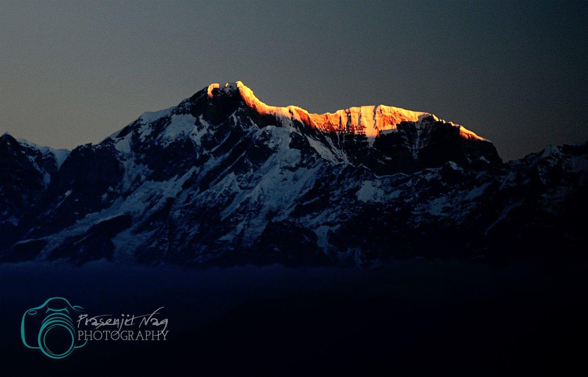 1st Light On Kedarnath & Kedardome  Frm #Chandrashila #Tunganath  #Chopta #Rudraprayag #Garwal #Himalayas #Uttarakhand #India #chardham #Uttarakhandtourism #Uttaranchaltourism #Devbhoomi #simplyheaven #snowpeak #mountains #trekking #hikingadventures @UTDBofficial @incredibleindia https://t.co/clt2FXwoI7