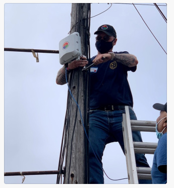 """When you see things like this, you know why we call him """"Kelly-fornia"""".  A few weeks ago, Kelly climbed on top of a roof to help install access points at the Soquel SDA camp (evac site for CZU).  #california #wildfires #teamsecconsult https://t.co/NhdYCS6gkC"""