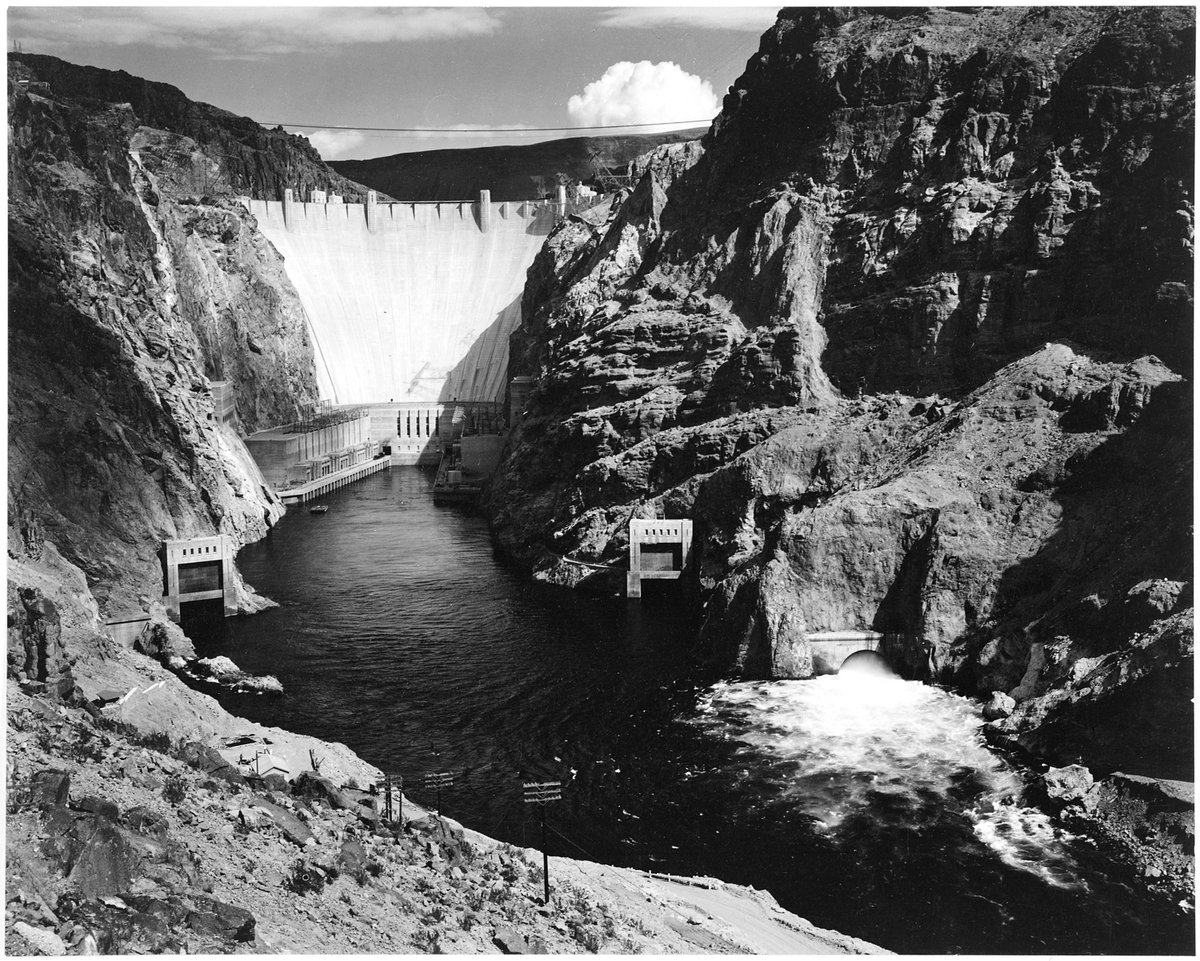 This day on September 30, 1935 – The Hoover Dam, astride the border between the U.S. states of Arizona and Nevada, is dedicated. https://t.co/xq4s9Oq7TL