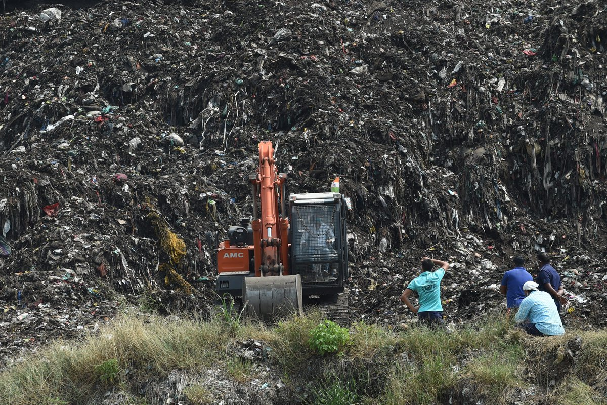 India rescuers are searching for a 12-year-old girl buried alive after a massive garbage dump collapsed.  She has been buried for 5 days.  Her family is among 4 million people who survive by scavenging dumps and the UN warns the pandemic is forcing more children into child labor. https://t.co/Yn0mvbNcIK