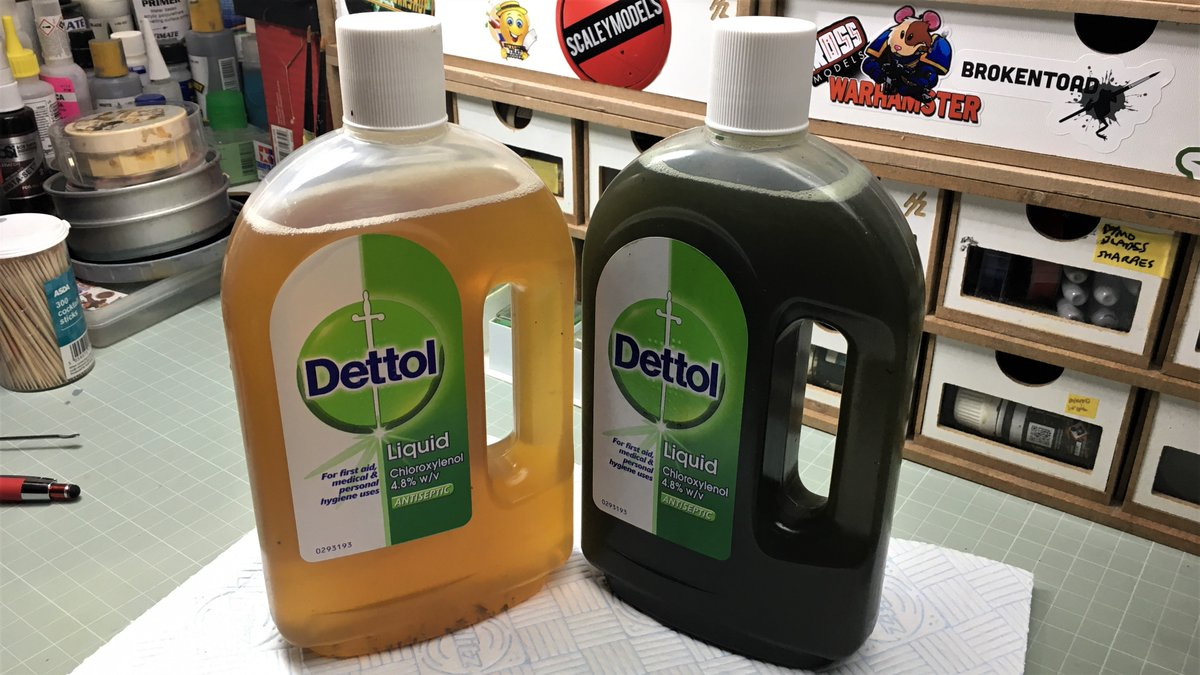Can you guess which bottle of Dettol has been used to strip mostly green and black paint today? (Hint: one of them is greeny-black)  #Tabletoptraumacentre #Warhammer #Warhammer40K #GamesWorkshop  #paintingminis #minirescue #ebayrescue #tabletop #stripping #dettol https://t.co/TZWfhlW9JG