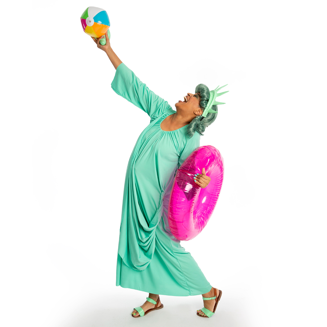 If you're still hanging around this SAD ghost town, there's plenty of time to store your violently anarchist summer gear, like beach chairs, frisbees, that inflatable flamingo pool float...  #nyc #cleaningtips #declutterthewhitehouse #WednesdayWisdom https://t.co/p5bNVwyR8U