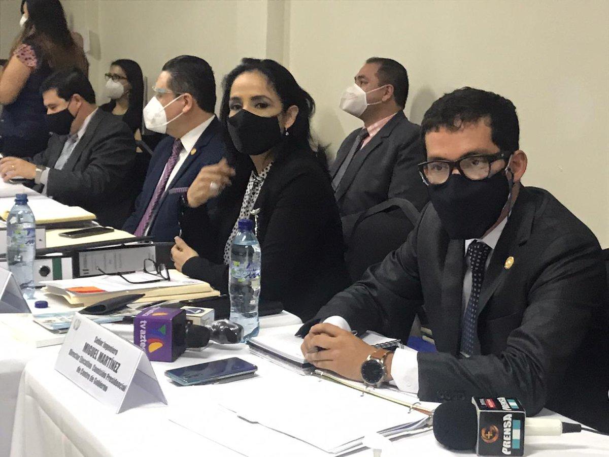 test Twitter Media - La jefe de la bancada Winaq, Sonia Gutiérrez, señala que el cargo del jefe del Centro de Gobierno es similar al de un ministro, por lo que le pregunta a Martínez cuál es su experiencia, a lo que responde que la ley estipula requisitos en los cuales no habla de experiencia. https://t.co/ujVMU1cjfc