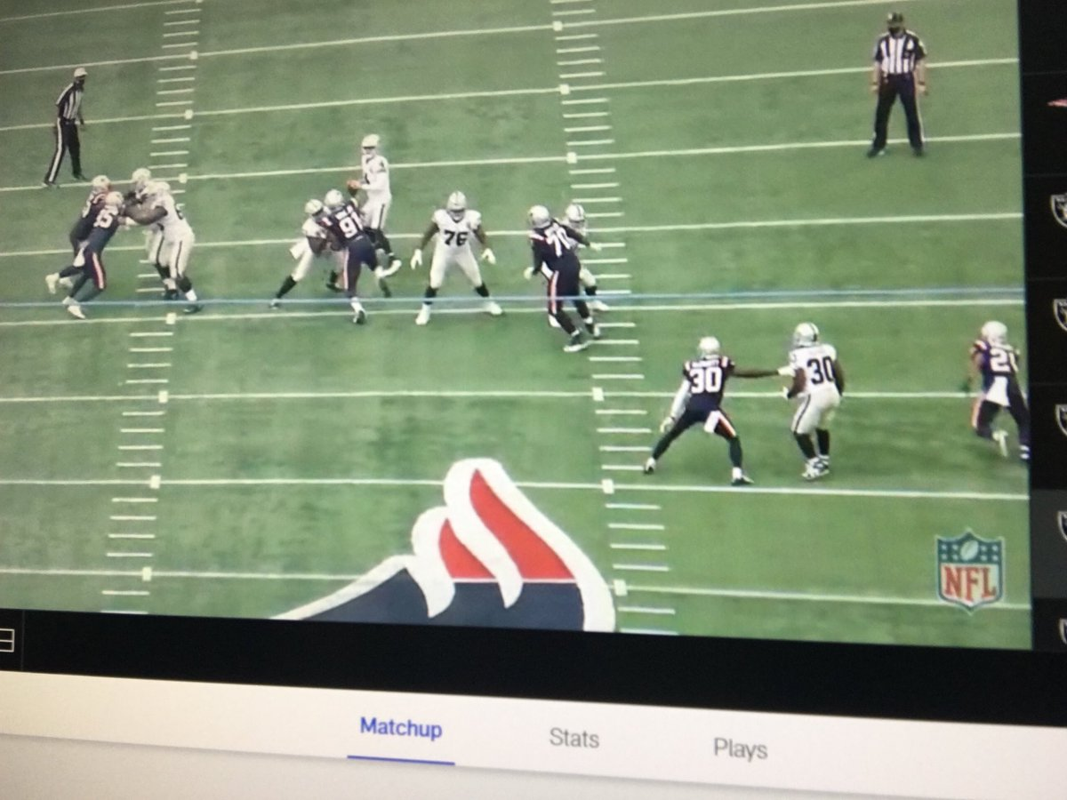Bill exposed Carr for this. Literally stuck two defenders on Richard. The book is out for the Bills. McDermott is watching this tape rubbing his hands together. He had Bryan Edwards deep didn't throw it. #raiders #RaiderNation https://t.co/EQxuxXxqOQ