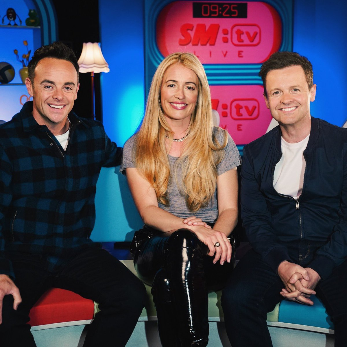 A first look at Ant & Dec's SMTV Live reunion with Cat Deeley. Feeling seriously nostalgic💙❤️  Tickets to the next NTAs out now! https://t.co/7cO8sGZRYE https://t.co/9JPHw6cjcW