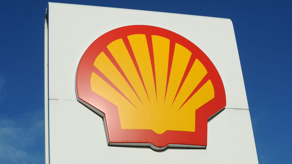 La petrolera #Shell informó este miércoles que planea suprimir entre 7.000 y 9.000 puestos de trabajo en todo el mundo debido al colapso de la demanda de #crudo por el impacto económico provocado por la pandemia de #Covid_19  https://t.co/JsoDG2p4QC https://t.co/uFG1CQ3fgL