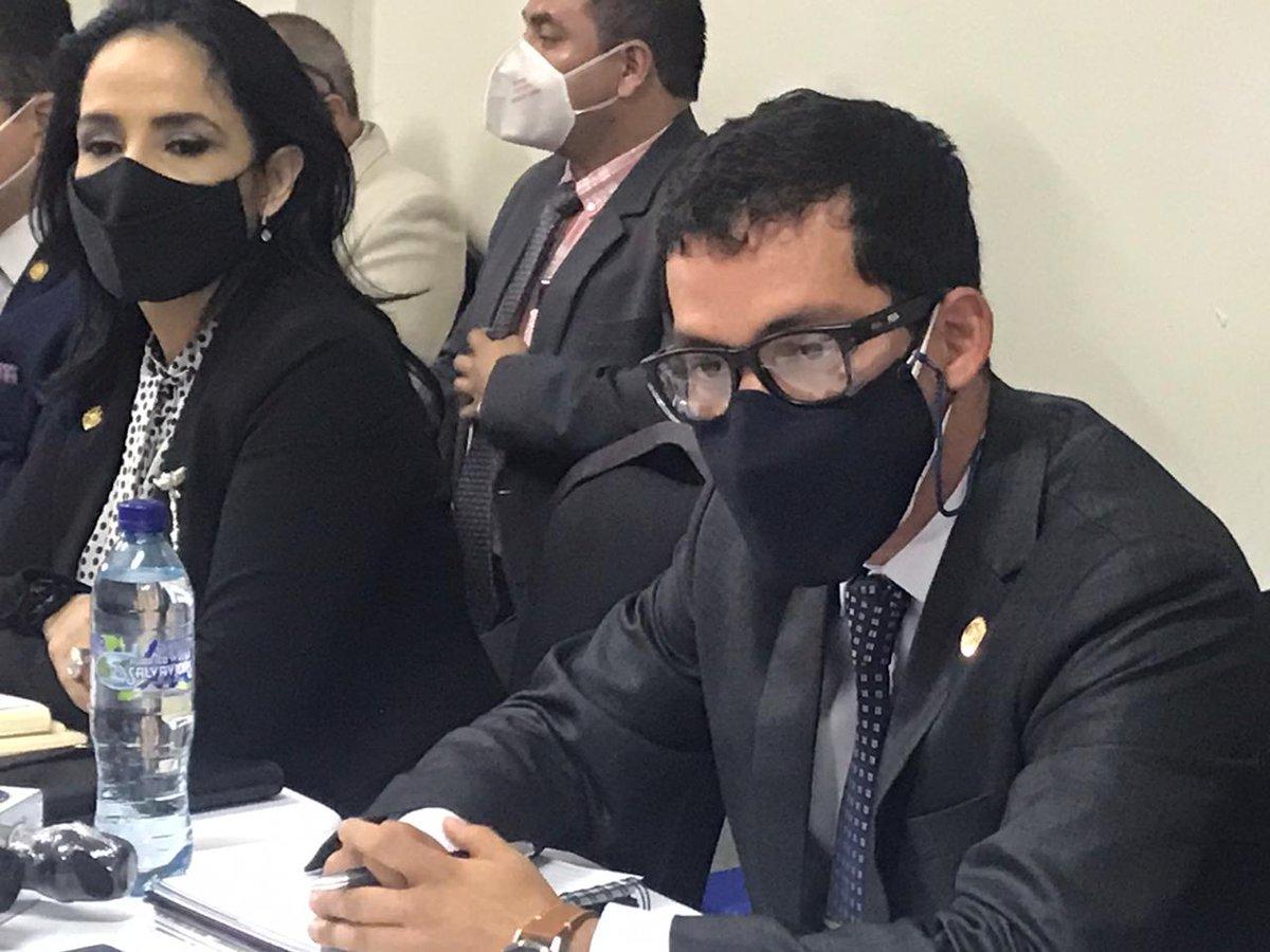 """test Twitter Media - Martínez dice que no tiene seguridad y que la SAAS no le presta seguridad a él. """"La SAAS le puede brindar seguridad a los funcionarios públicos"""", agrega. https://t.co/sjmwLJzVem"""