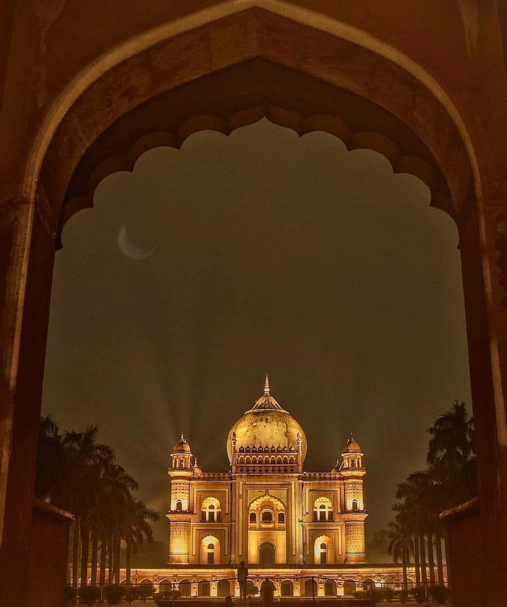 Tomb Of Safdarjung, Delhi 📸: @yashchoudhary04 #LPMIArmchairTravel #Delhi #Safdarjung https://t.co/hAB7zQYEQ1 https://t.co/6IIZoyMkUE
