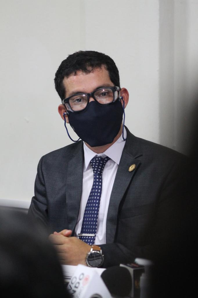 test Twitter Media - Martínez indica que en ningún momento denunció a la Contraloría sino que fue en contra de un trabajador de la entidad que estaba realizando amenazas en su nombre, según dijo.📸: José Orozco/LH https://t.co/tWzILqcvWC