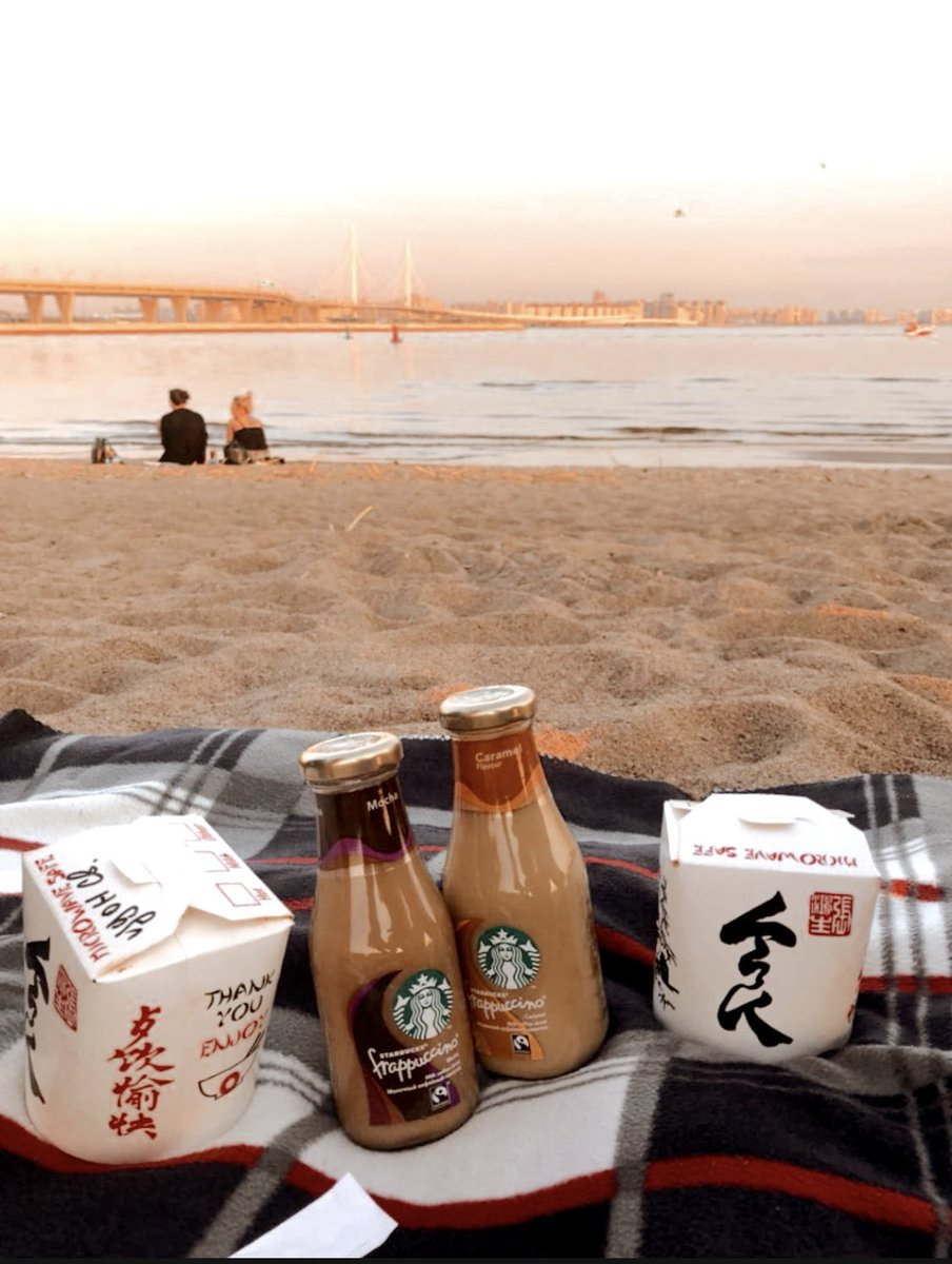 The last warm days should be spent in a company with delicious #food.  Chinese wok will brighten up heart-to-heart conversations on the seashore🥡🥤🍜🌏  #worldfood #travel #chinesefood #sunset #international #dinner #seashore #delicious https://t.co/PDbsO7PuzO