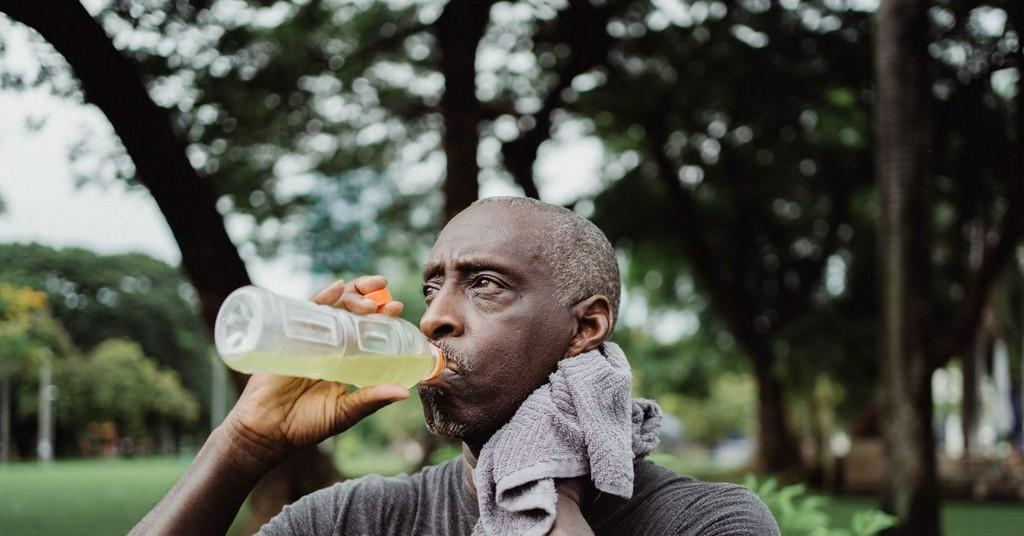 Is Gatorade actually better than water? https://t.co/exXzuNTRXk https://t.co/mpXLkSsh21