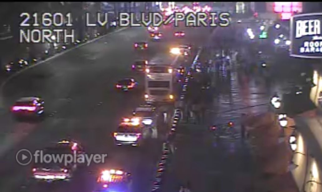 Police said an argument occurred inside of a RTC bus on the 3600 block of Las Vegas Blvd, leading the suspect taking out a knife and cutting the victim. The suspect fled the area before Metro's arrival, but was captured a few minutes later. #vegas #lasvegasstrip https://t.co/ikjWVetexd