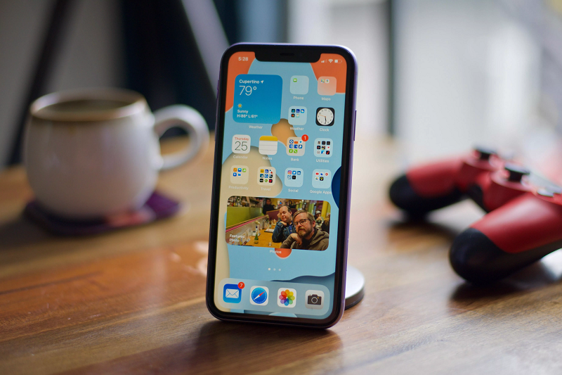 .@Wandera has reported a lag in uptake of #iOS14 on corporate devices. This suggests that IT admins have more control than ever about rolling out iOS updates to their employees' #iPhones, whether through a management solution or communicated instructions. https://t.co/VaGMJNTTww https://t.co/rizEC6tlag
