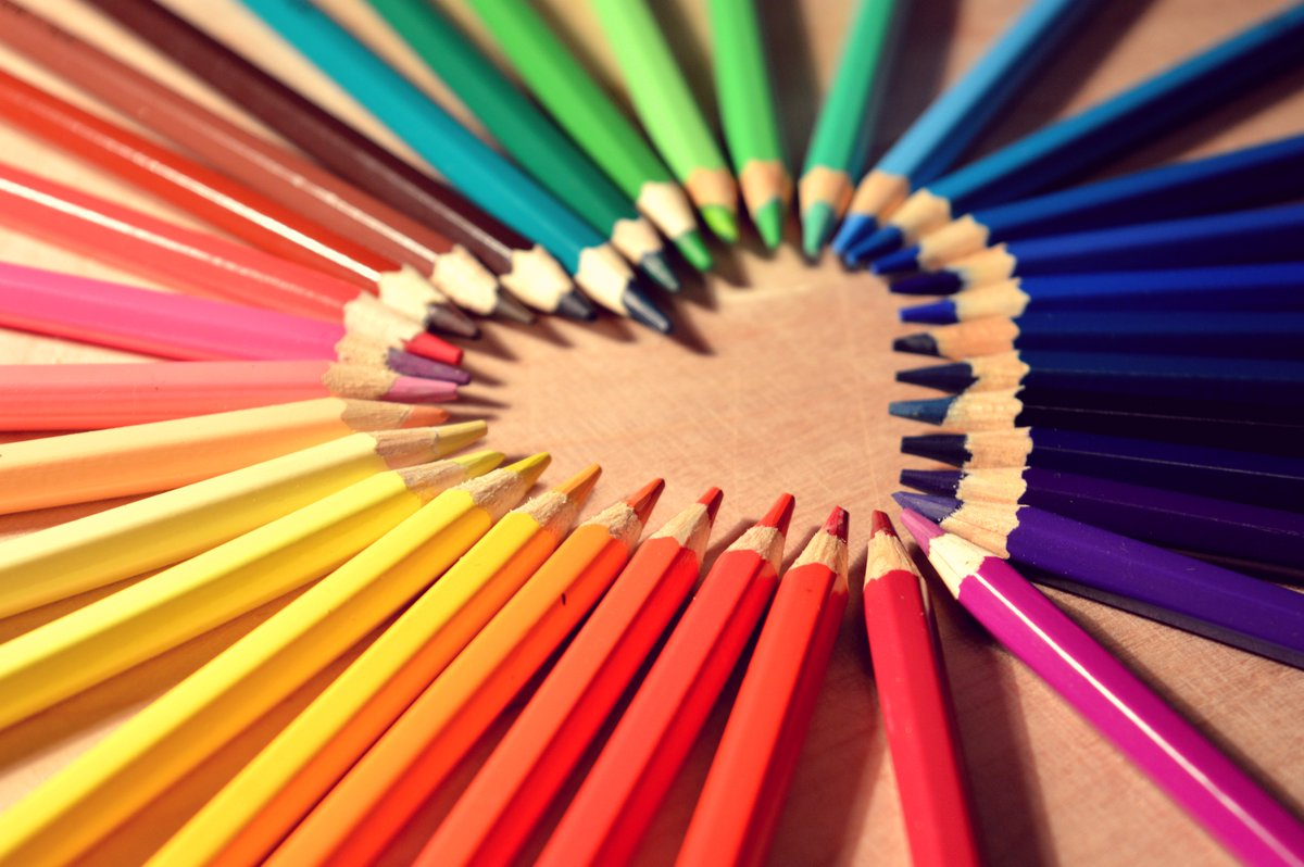 What would you like to see on Super Saturday Online❓ 🤔  Maybe a simple craft you'd love to know how to do? 🖼️🎨📚🖍️  Tell us what you'd like to see below in the comments, during Super Saturday Online on An Táin Arts Centre's Facebook!  #familytime #SuperSaturday @dundalktourist https://t.co/c4xT4peKUS