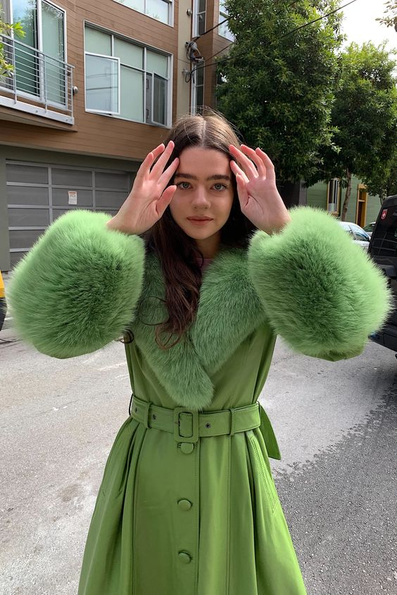 October, time to start wearing your bright lime 🍈 (style by #Lisasaysgah)  #infurmagazine #infurmag #fashion #furs #fur #furfashion #ootd #streetfashion #winter #October1st #winterfashion #limegreen #inspo #fashionweek #fashionstatement #styleinspo #new #trendy #winterstyle https://t.co/a1wnQCzohi